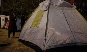 Προσφυγικό: Γέμισε σκηνές ο Πειραιάς