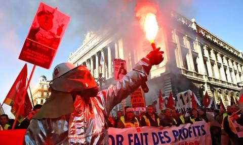 «Στους δρόμους» σήμερα η Γαλλία ενάντια στο νομοσχέδιο Ολάντ για τα εργασιακά