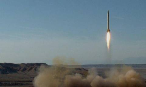 Νέα διεθνής ένταση από εκτόξευση βαλλιστικών πυραύλων στο Ιράν (vid)