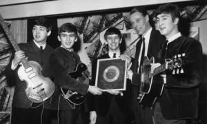 Πέθανε ο Σερ Τζορτζ Μάρτιν, το πέμπτο «σκαθάρι» των Beatles (pics & vid)
