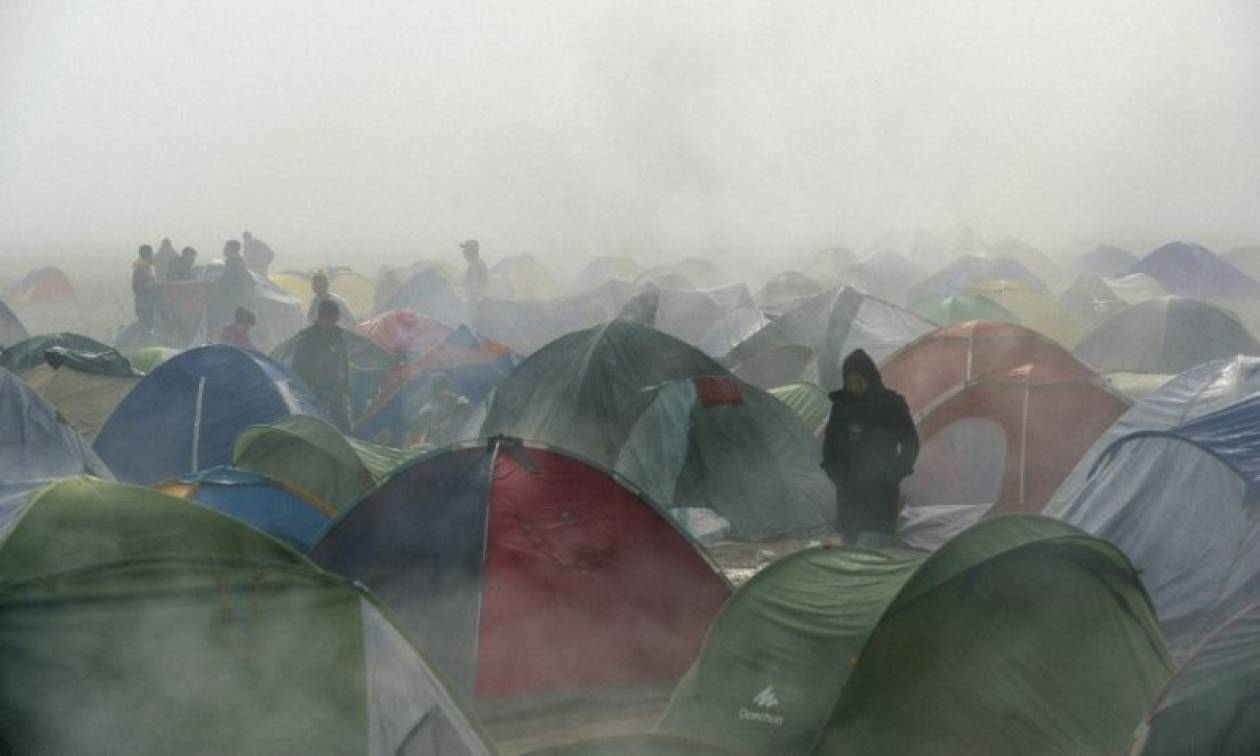Spiegel: Η Ελλάδα εκκενώνει άμεσα τον προσφυγικό καταυλισμό της Ειδομένης (vid)