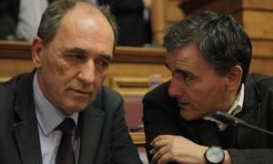 Διαπραγματεύσεις: Γιατί δεν παραβρέθηκε ο Σταθάκης στις συζητήσεις με τους Θεσμούς;