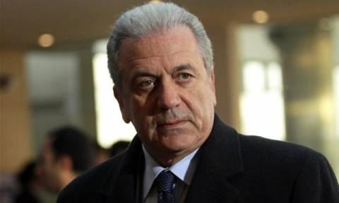 Αβραμόπουλος: Κίνδυνος να μετατραπεί η ανθρωπιστική κρίση στην Ελλάδα σε ανθρωπιστική καταστροφή!