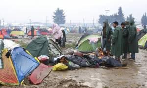 «De facto» κλειστή η Βαλκανική οδός - Ανθρωπιστική βοήθεια για την Ελλάδα