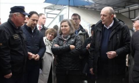 Σκόπια: Η Αμερικανίδα ΥΦΕΞ επισκέφθηκε τη Γευγελή και το σχεδόν άδειο κέντρο υποδοχής προσφύγων