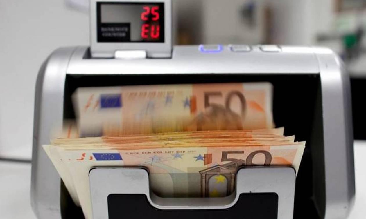 ΣΟΚ: Ξανά στο τραπέζι η επιβολή τέλους στις τραπεζικές συναλλαγές