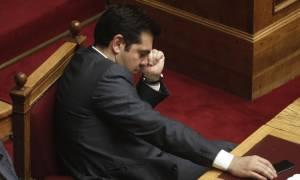 Εγκλωβισμένος στην αδιέξοδη πολιτική του ο Τσίπρας