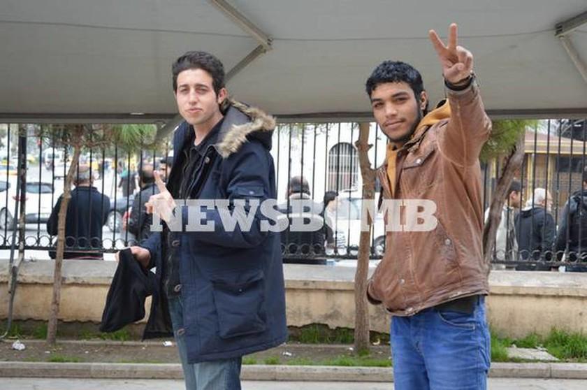Αποκλειστικό: Το Newsbomb.gr στη Σμύρνη – Πώς δρουν  δρουν τα κυκλώματα των διακινητών (pics)