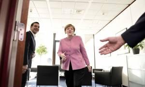 Ο Τσίπρας κρύβεται πίσω από τη Μέρκελ: «Άλλο Ειδομένη, άλλο Βουδαπέστη»