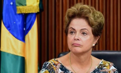 Βραζιλία: Το PMDB αποφασίζει εάν θα διακόψει με τη Ρουσέφ