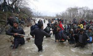 Συλλήψεις Ελλήνων φωτορεπόρτερ στα Σκόπια