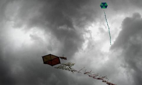 Καθαρά Δευτέρα: Παραδοσιακά και υπό βροχή γιορτάστηκαν τα κούλουμα στην Τρίπολη
