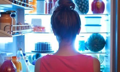 Δείτε το φαγητό για το οποίο τρελαίνεστε αλλά δεν πρέπει να βάζετε ΠΟΤΕ στο ψυγείο!