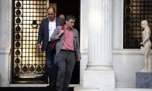 Ξανά στο τραπέζι της «διαπραγμάτευσης» η Αθήνα για να «σφραγίσει» τις υποχωρήσεις