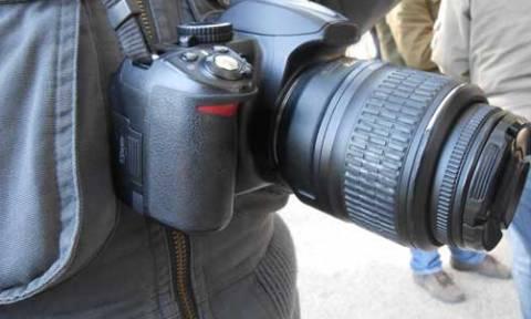 Ελεύθεροι από τις Αρχές των Σκοπίων οι Έλληνες φωτορεπόρτερ