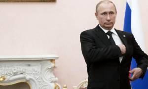 Ρωσία: Αποσύρει στρατεύματα και στρατιωτικό εξοπλισμό από τη Συρία