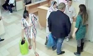 Γυναίκα απήγαγε βρέφος από το μαιευτήριο μέσα σε τσάντα! (video)