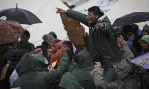 Προσφυγικό: Νέο «χάδι» στα Σκόπια από την Αυστρία!