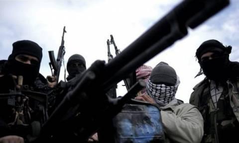 Συρία: Η Αλ Κάιντα απειλεί με επιθέσεις μετά την αποχώρηση των ρωσικών δυνάμεων