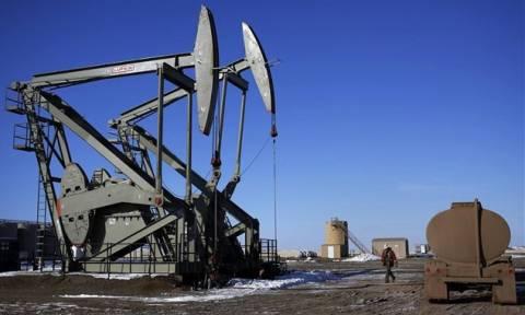 Οι προσδοκίες μείωσης της παραγωγής πετρελαίου ανεβάζουν τις τιμές