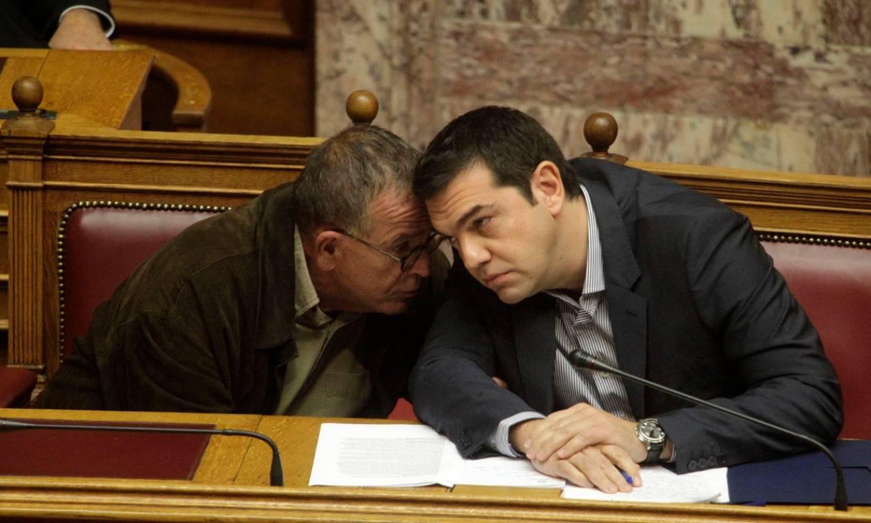 Εθνική ξεφτίλα: Ο Τσίπρας διατηρεί τον Μουζάλα στη θέση του!