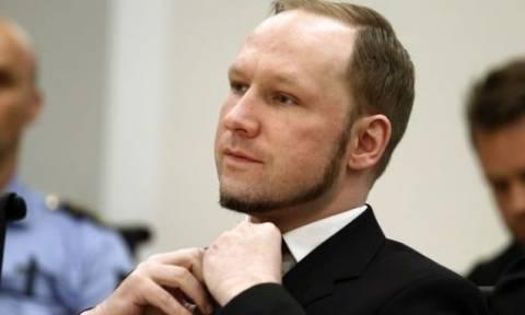Προκαλεί ξανά ο Μπρέιβικ: Θα μάχομαι για το ναζισμό μέχρι θανάτου