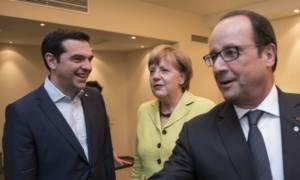 Σύνοδος Κορυφής: Τριμερής συνάντηση Τσίπρα με Μέρκελ και Ολάντ στις Βρυξέλλες