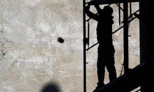 Δραματική έκθεση της ΓΣΕΕ: Ανεργία, φτώχεια, χαμηλοί μισθοί και ζωή... «με το κομμάτι»