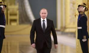Στην Κριμαία ο Πούτιν για τα δύο χρόνια από την προσάρτηση της ουκρανικής χερσονήσου