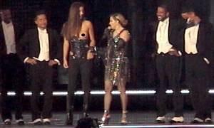 Αυτή είναι η Ελληνίδα που έγδυσε η Μαντόνα στη σκηνή! (photos+video)