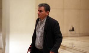 Παραμένει το χάσμα: Ο Τσακαλώτος απείλησε το ΔΝΤ με συνέχιση των διαπραγματεύσεων στην... Ειδομένη!
