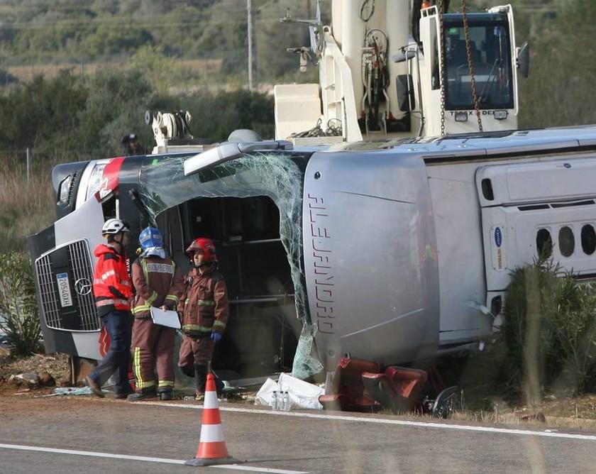 Τραγικό δυστύχημα στην Ισπανία με τουλάχιστον 13 νεκρούς φοιτητές (Pics & Vids)