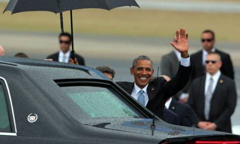 Ο Ομπάμα έφθασε στην Κούβα – Δείτε τι έγραψε στο Twitter του (Pics & Vid)