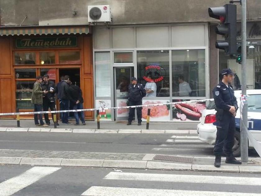 Βομβιστής αυτοκτονίας πυροδοτεί χειροβομβίδα στο Βελιγράδι (Vid & Pics)