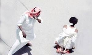 Φρίκη στη Σαουδική Αραβία: Γυναίκα αποκεφαλίζεται στο δρόμο. Ακέφαλα πτώματα κρέμονται από γερανούς