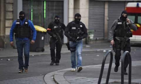 Ταυτοποιήθηκε συνεργός των τρομοκρατών που αιματοκύλησαν το Παρίσι (pic)