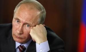 Πτώση καταγράφει η δημοτικότητα του Πούτιν