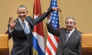 Κούβα - ΗΠΑ: O Ομπάμα ασκεί πίεση στον Κάστρο για τα ανθρώπινα δικαιώματα
