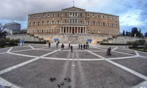 Βουλή - Διαπλοκή και διαφθορά: Μια συζήτηση ουσίας ή άλλη μία «σούπα»;