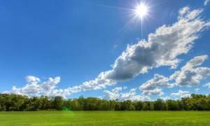 Με αραιές νεφώσεις και νέα άνοδο της θερμοκρασίας ο καιρός της Τρίτης (pics)
