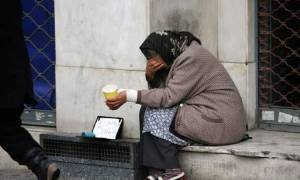 Χιλιάδες νοικοκυριά έτοιμα να διαβούν το κατώφλι της φτώχειας
