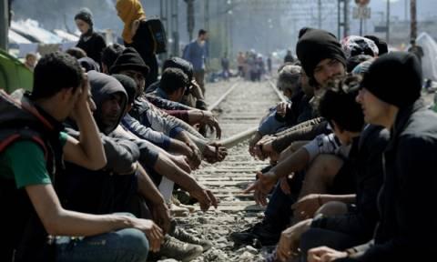 Ειδομένη: Ένταση και εκνευρισμός στη διαμαρτυρία προσφύγων – Διχασμένοι για τις κινήσεις τους