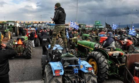 Διαμαρτυρία αγροτών στον ΟΠΕΚΕΠΕ και κάθοδος στην Αθήνα