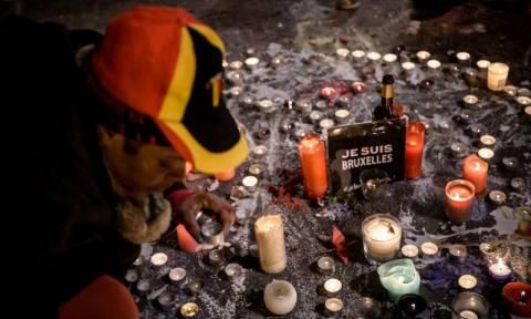 Τρομοκρατικές επιθέσεις Βρυξέλλες: Ενός λεπτού σιγή για τα θύματα