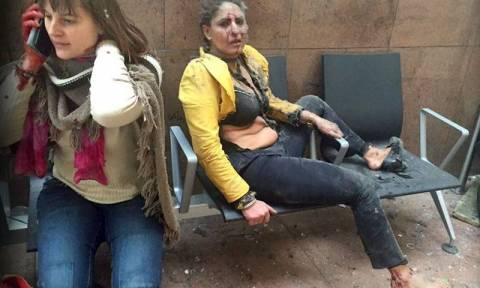 Τρομοκρατικές επιθέσεις Βρυξέλλες:  Η ιστορία της φωτογραφίας-σύμβολο που έκανε το γύρο του κόσμου