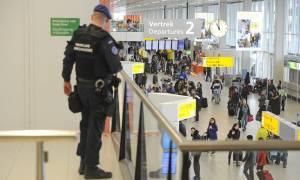Die Welt: Η Κομισιόν εξετάζει αυστηρότερα μέτρα ασφαλείας στα αεροδρόμια
