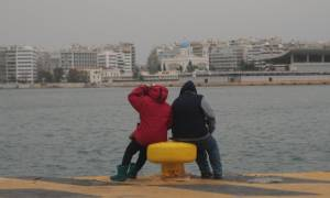 Μειωμένες οι προσφυγικές ροές στον Πειραιά - Περισσότεροι από 48.000 οι εγκλωβισμένοι στη χώρα