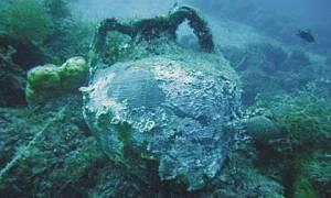 Μυτιλήνη: Μηχανότρατα ανέσυρε αρχαίους αμφορείς