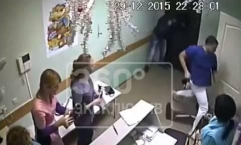 Καταδικάστηκε ο Ρώσος γιατρός που σκότωσε ασθενή του με μία μπουνιά