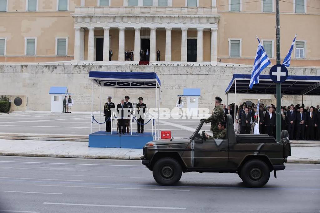 LIVE 25η Μαρτίου: Η στρατιωτική παρέλαση στο Σύνταγμα